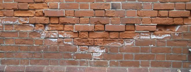 muur schoonmaken voor het verven